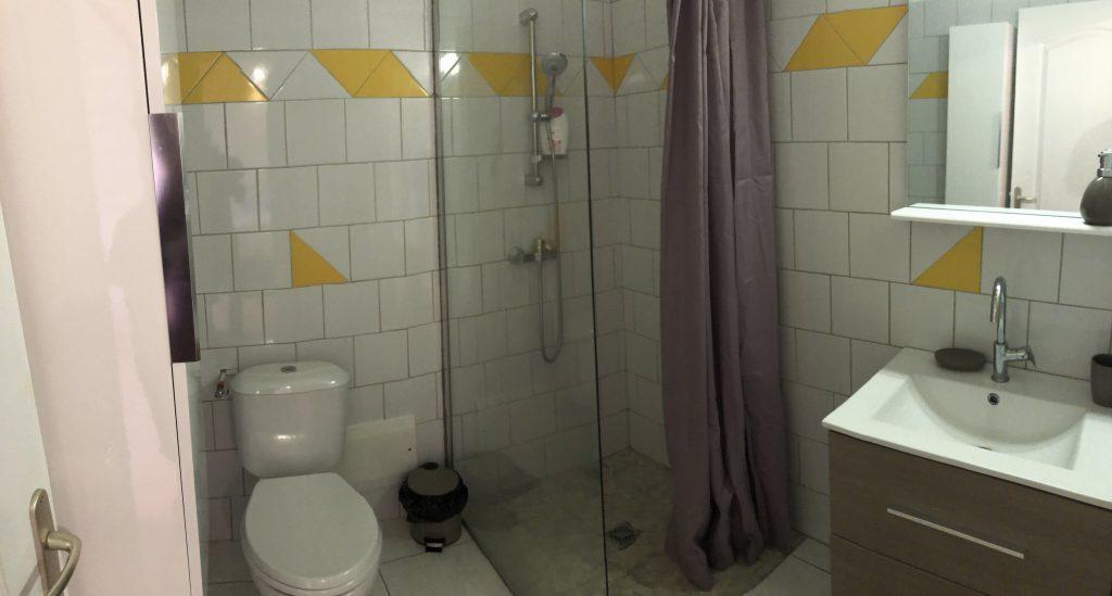 Bungalow2-salle de bain et toilettes